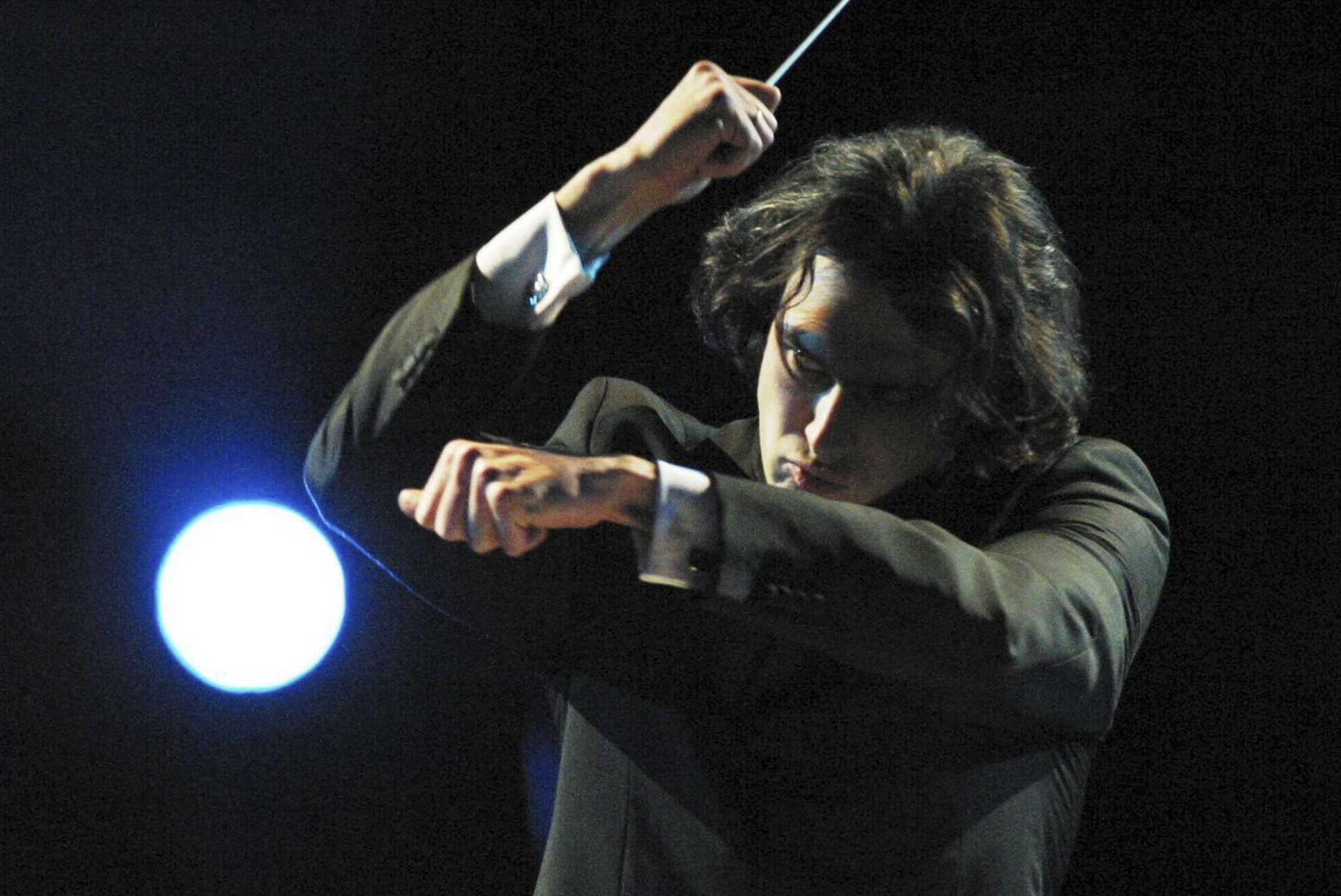 Conductor Vladimir Jurowski reduced the size of the ensemble.