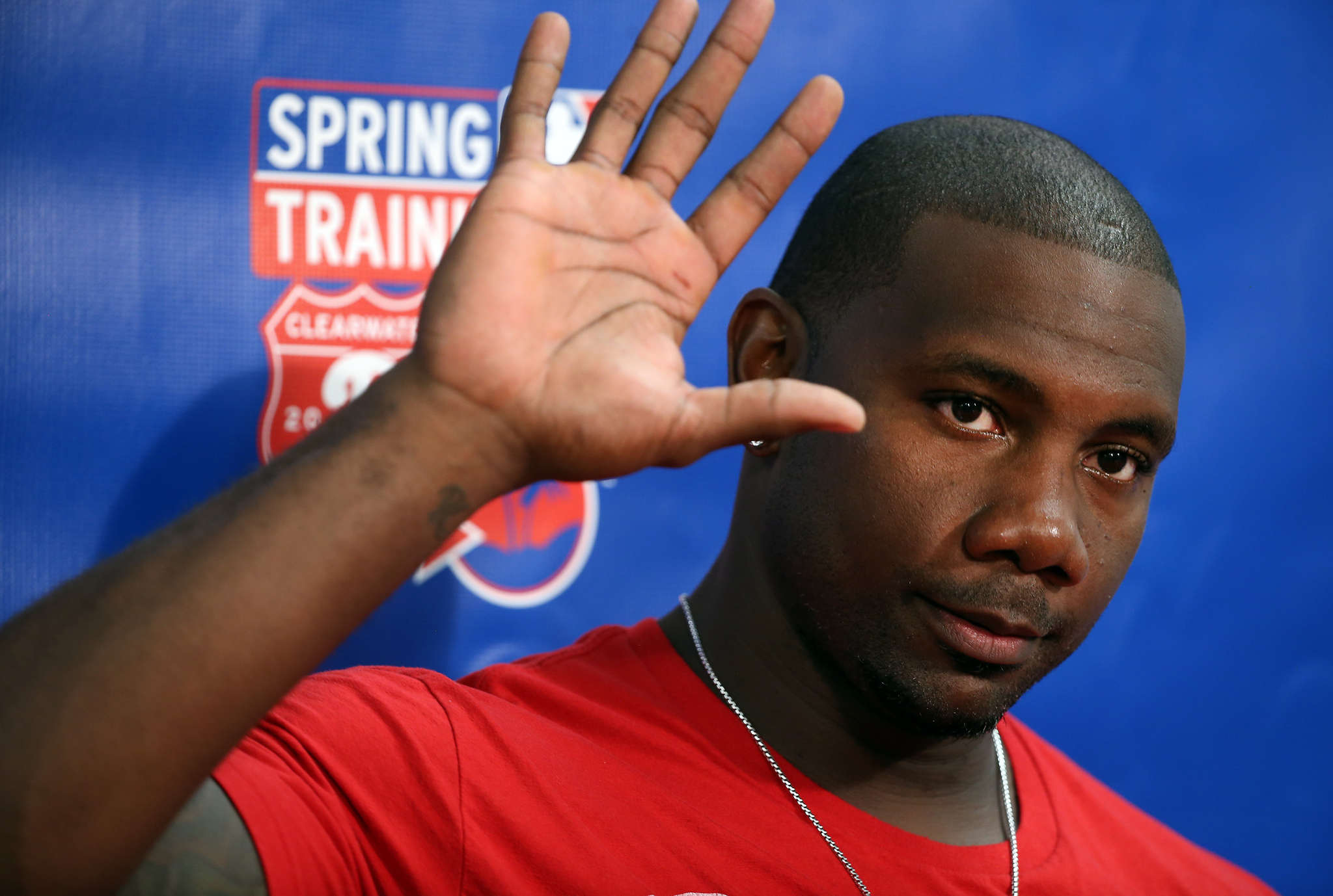 Ryan Howard at Phillies spring training in Clearwater: Your favorite columnist is hoping that this is a photo of the Big Piece waving goodbye. DAVID MAIALETTI / Staff Photographer