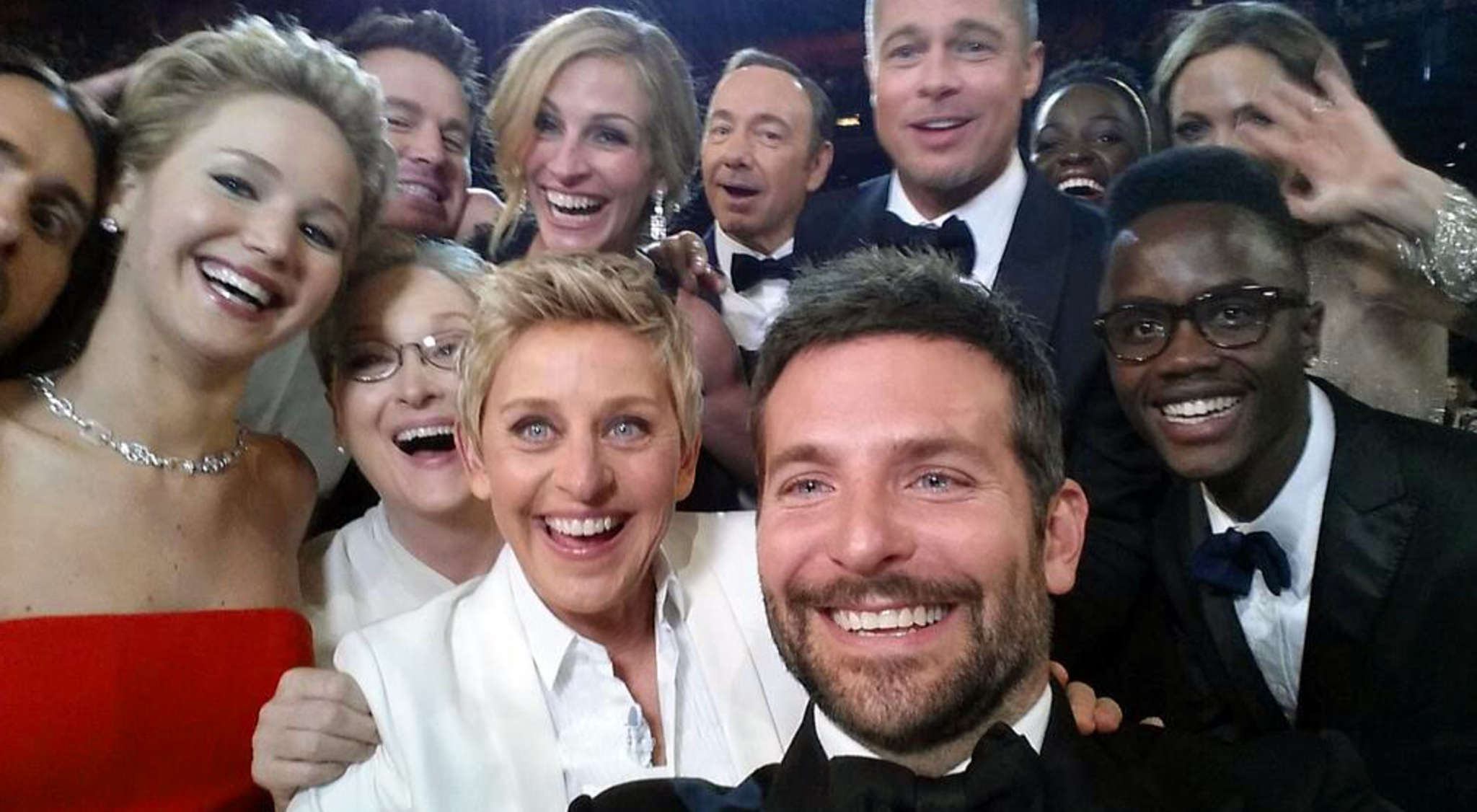 Oscar host Ellen DeGeneres´ selfie in 2014 with Hollywood heavyweights broke the Internet.