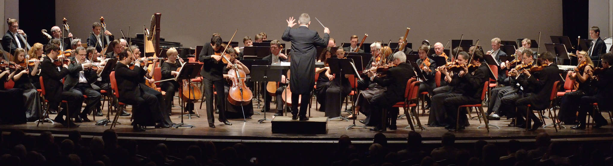 The Russian National Orchestra, with conductor Kirill Karabits, on Friday at the Grand Opera House.