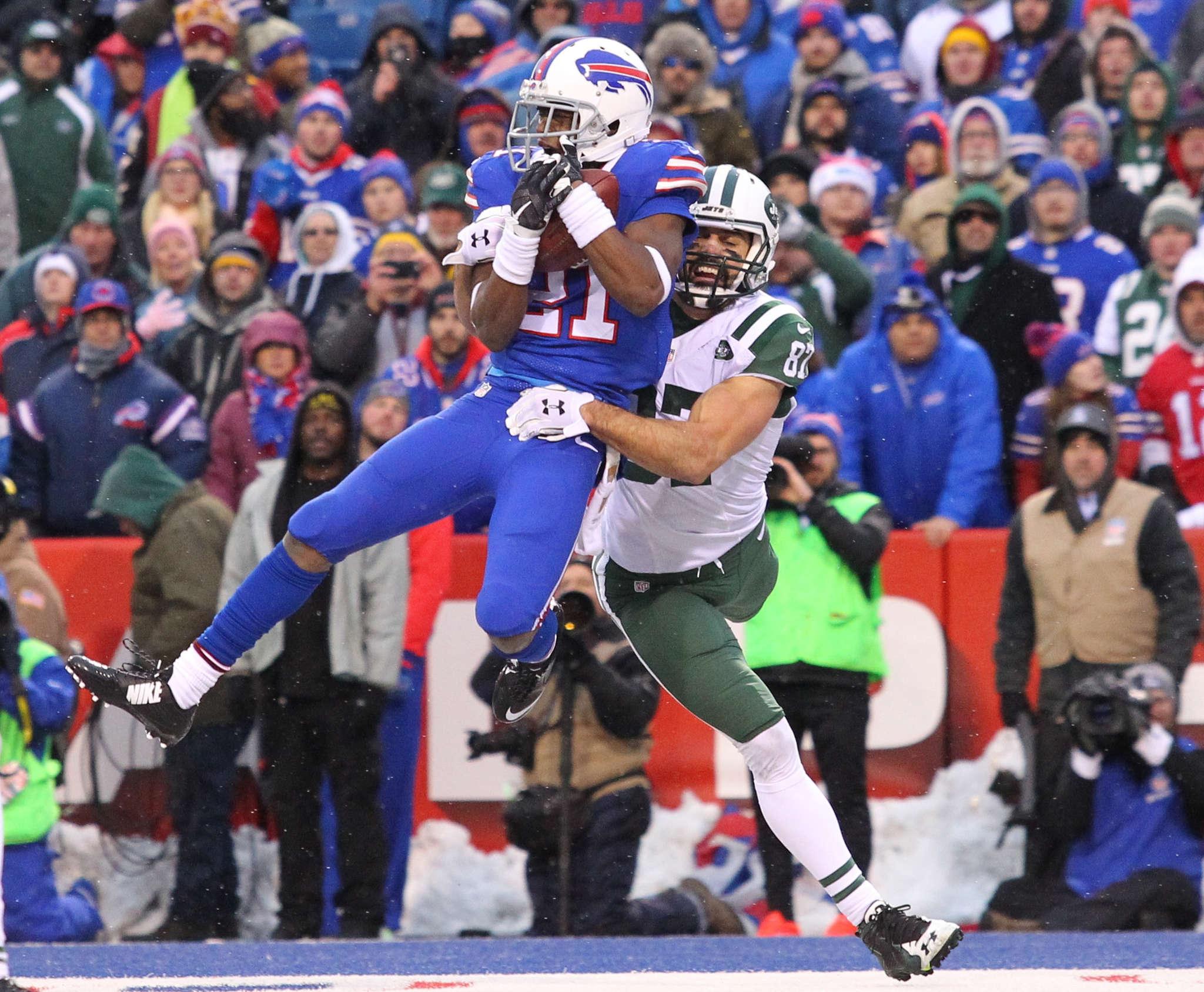 Leodis McKelvin intercepts a Jets pass in final game of the 2016 season. Associated Press