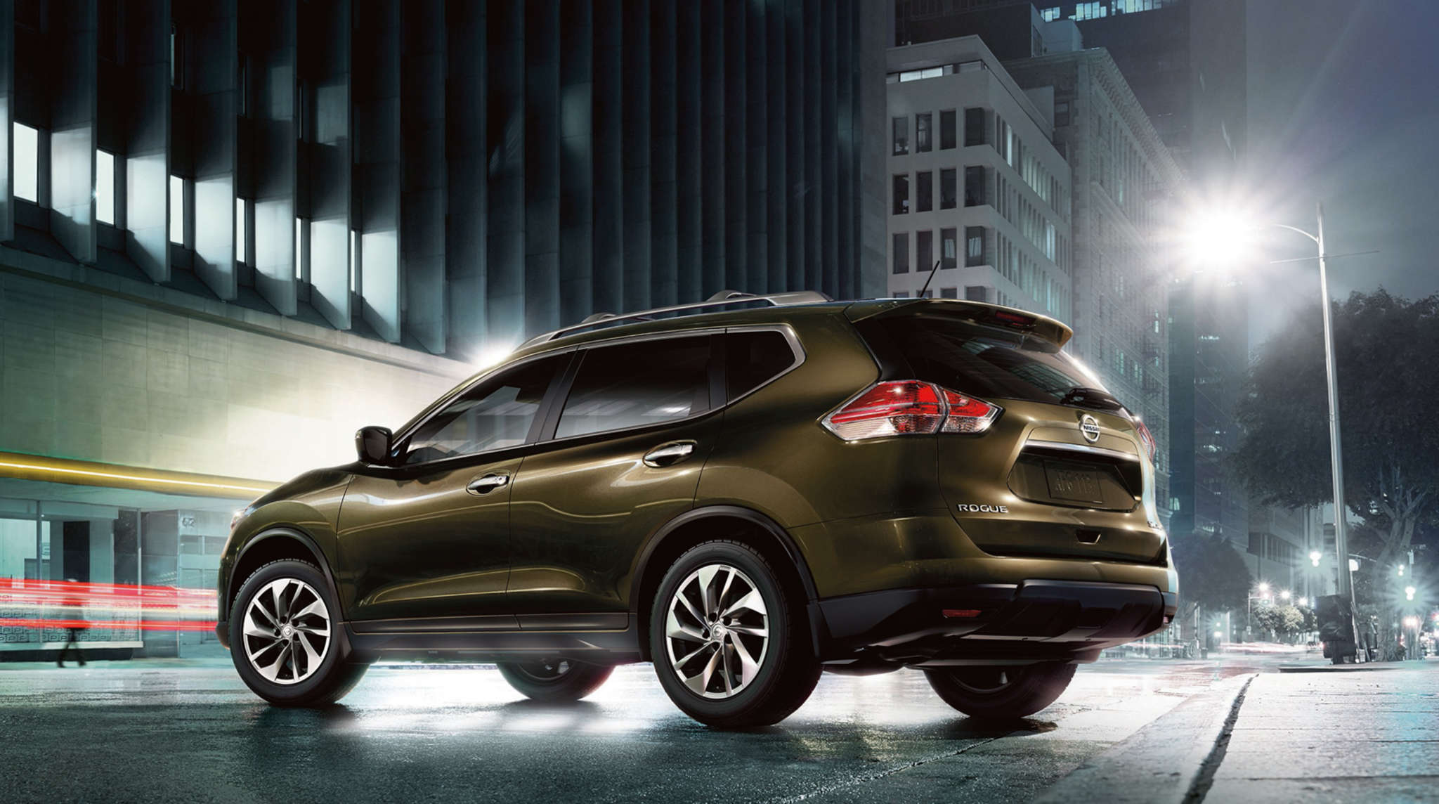 The 2016 Nissan Rogue retains many of the same features from its redesign in 2014, with a few new added items for this model.