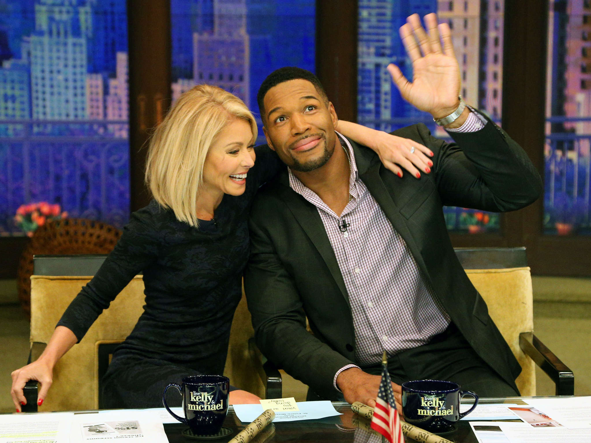 """Kelly Ripa and Michael Strahan on Strahan´s final day as co-host of """"Live! With Kelly and Michael."""""""
