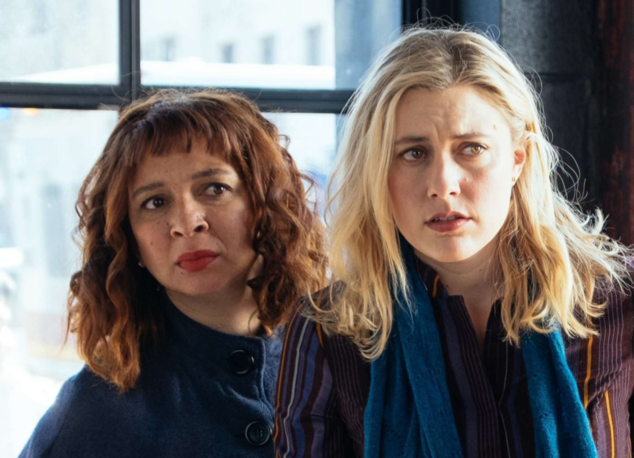 """Greta Gerwig (right) stars in the title role of """"Maggie´s Plan,"""" with Maya Rudolph."""