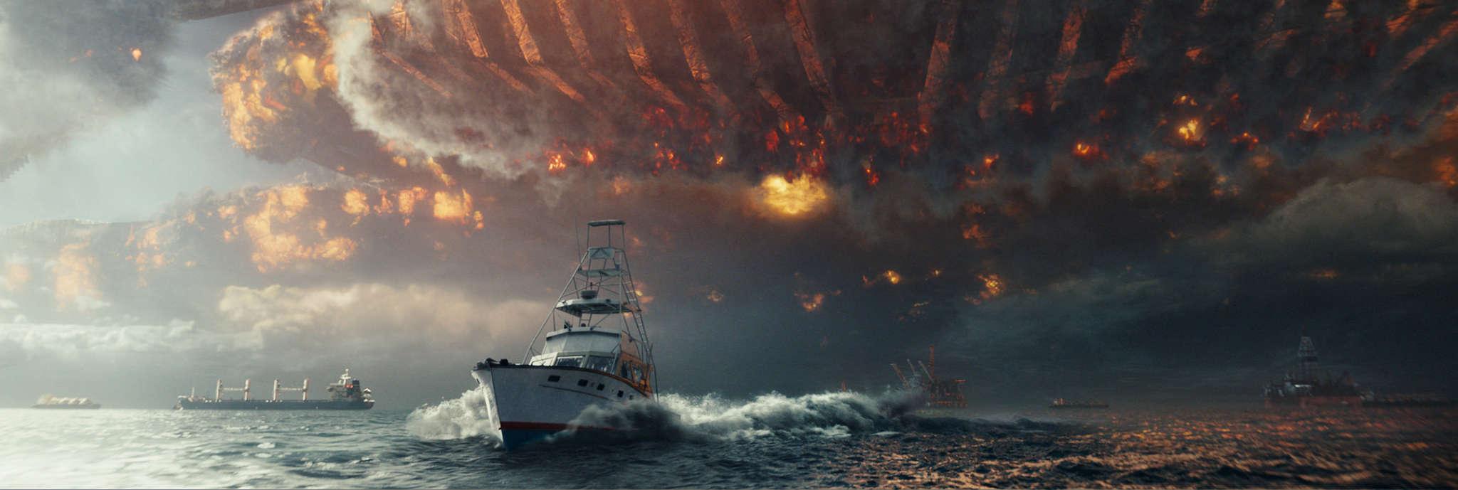 """Independence Day: Resurgence"": Alien spaceship wreaks havoc."