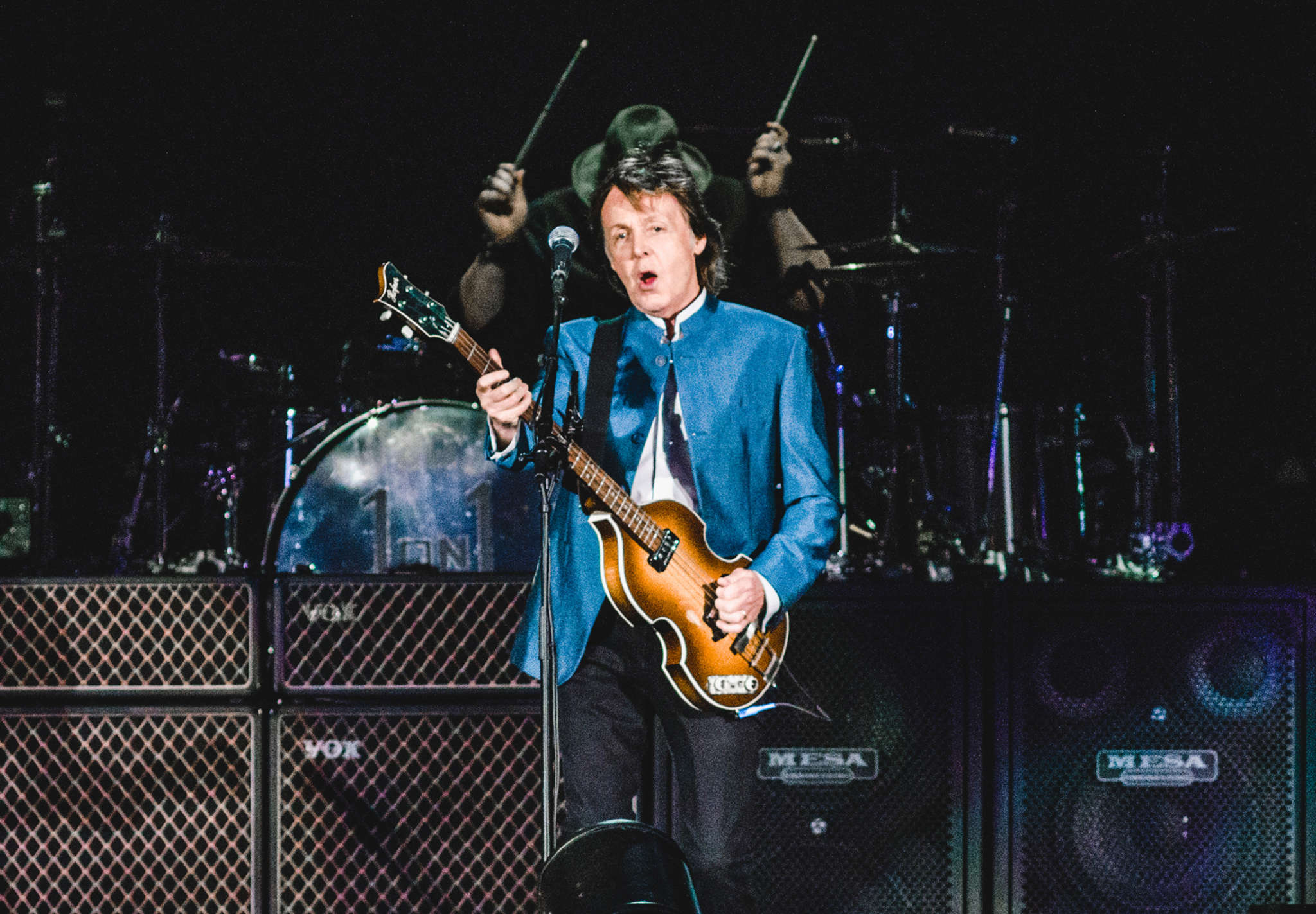 Paul McCartney and his four-piece band treated a sold-out Citizens Bank Park crowd Tuesday night to a generous, nearly three-hour concert that was sure to please Beatles fans. See music critic Dan DeLuca´s review at Philly.com and in Thursday´s Inquirer.