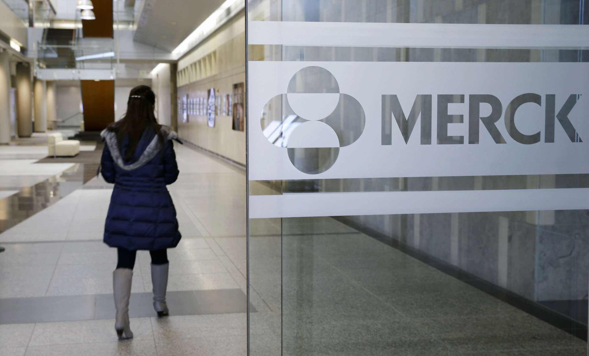merck company essay Merck & company (merck) was a pharmaceutical researcher and manufacturer  while medco cost containment services, inc (medco) was a.