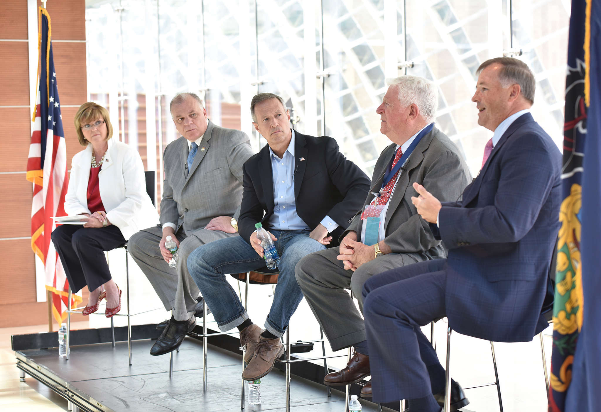 Panelists atop the Kimmel Center were (from left): Eileen McDonnell, CEO of Penn Mutual; New Jersey State Senate President Stephen Sweeney; former Maryland Gov. Martin O´Malley; former New York Lt. Gov. Richard Ravitch; and Penn Mutual Asset Management CEO David O´Malley.