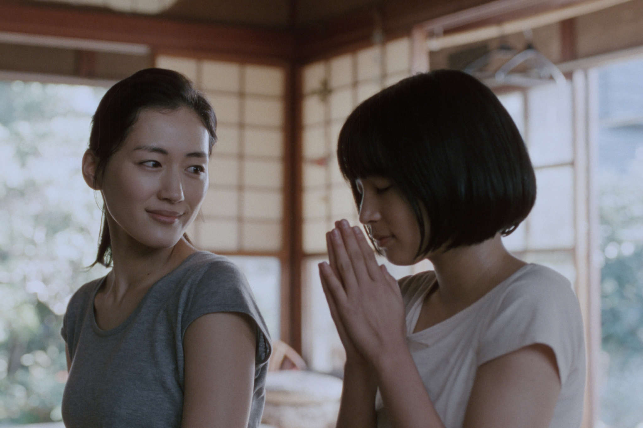 "Long-lost sibs played by Haruka Ayase (left) and Suzu Hirose in Hirokazu Koreeda´s ""Our Little Sister."""