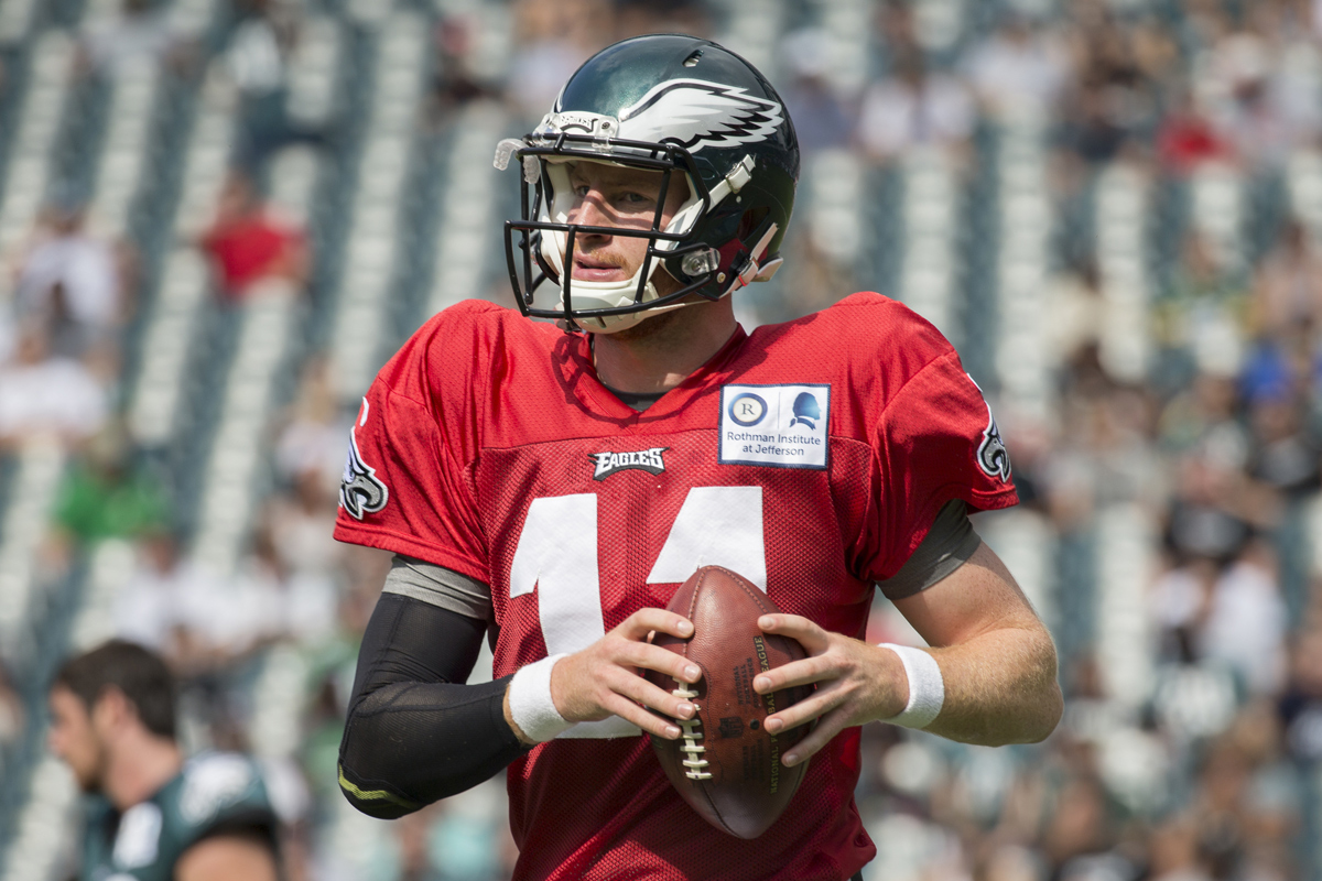 Eagles Practice Observations Wentz Wins The Day Mills