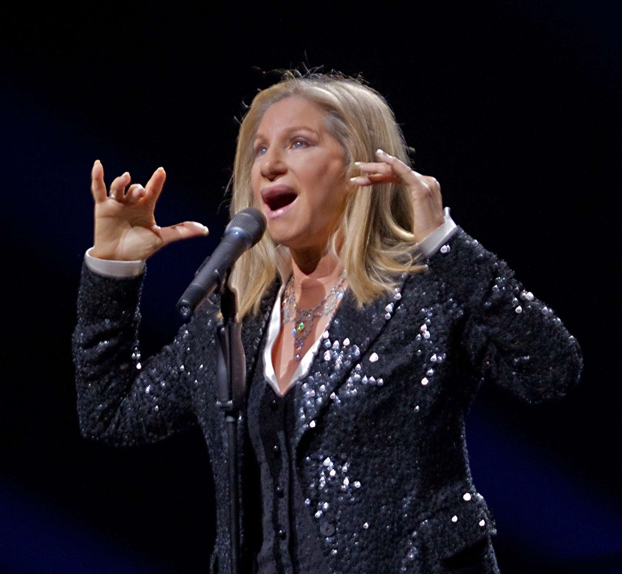 Barbra Streisand performing in 2012 at the Wells Fargo Center - where she´ll be Saturday on her new tour.