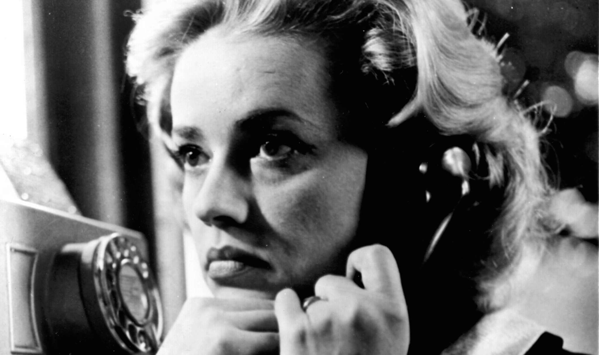 """Jeanne Moreau prowls Paris in 1958´s """"Elevator to the Gallows."""""""