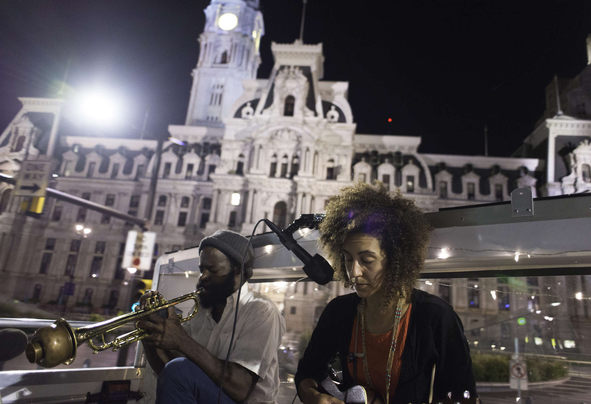 Koofreh Umoren and Vessna Scheff entertain on a Double Decker Music Series tour bus, which offers two musical groups on each two-hour excursion through Center City, South Philadelphia, and Fairmount.
