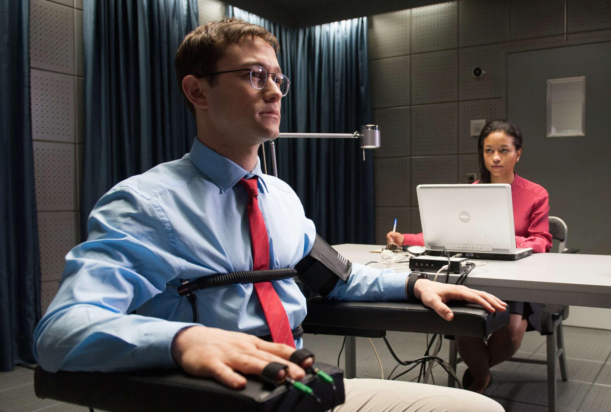 """Gordon-Levitt with Rachel Handshaw in """"Snowden."""""""