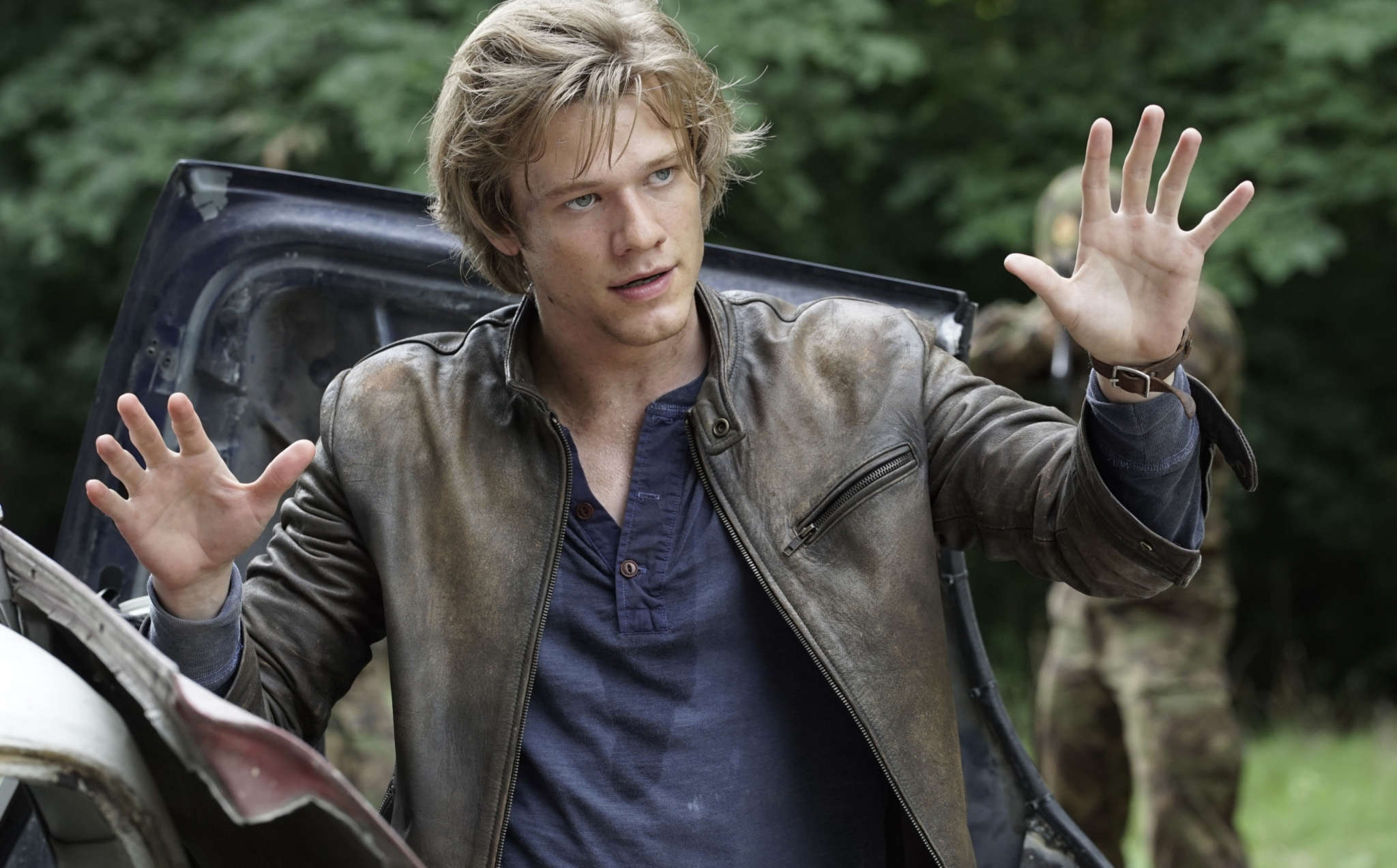 "Lucas Till is Angus ""Mac"" MacGyver in CBS´s ""MacGyver,"" a reboot of the original series, which ran from 1985 through 1992 on ABC."
