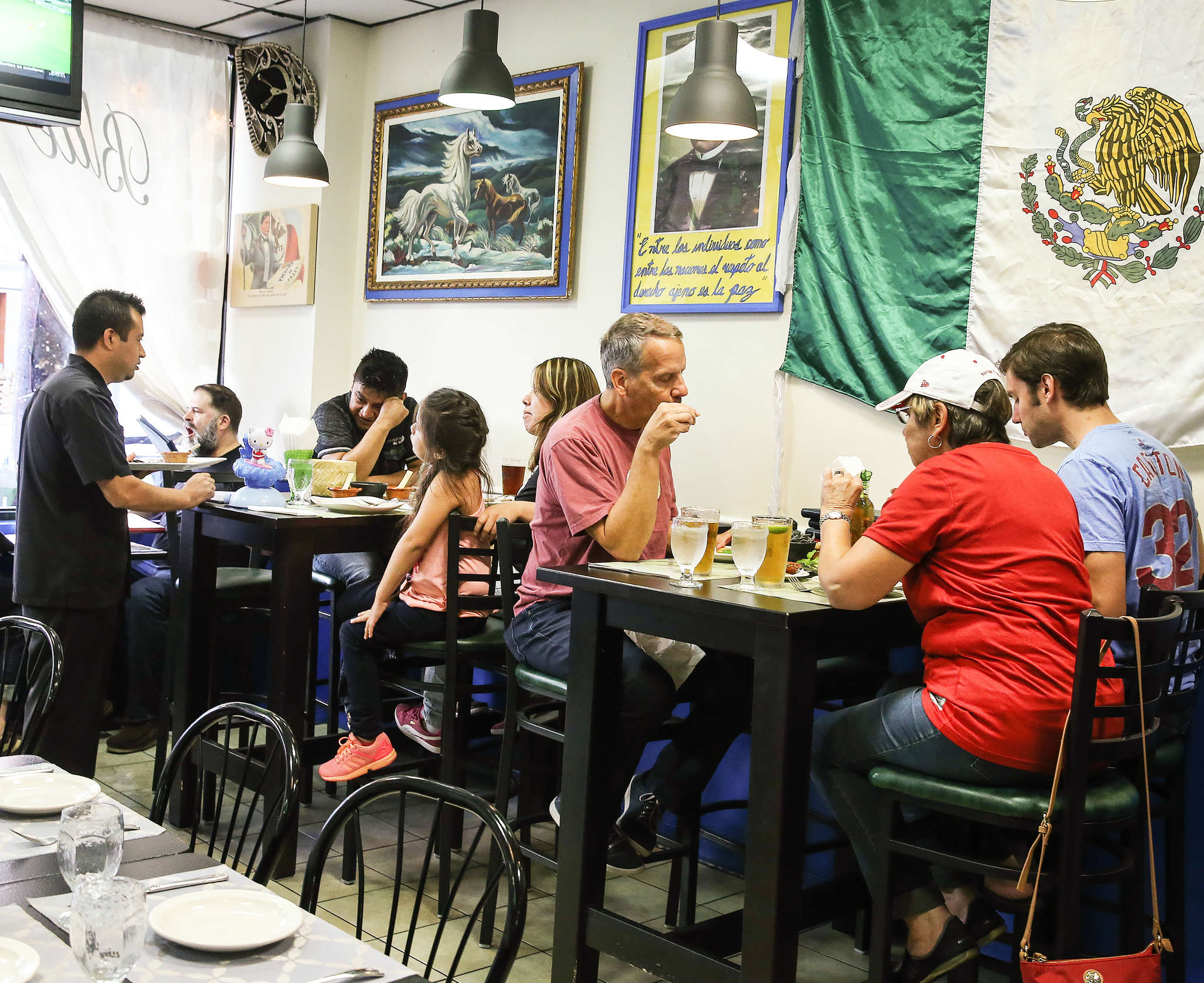 Blue Corn Mexican Restaurant & Bar in South Philadelphia features a veteran service staff and full bar. All the blue corn the Sandovals use in their restaurant helps support friends back home in the state of Puebla, where the grain is produced. In addition to Blue Corn´s dishes of authentic substance, its bar turns out deft classical tropical cocktails.