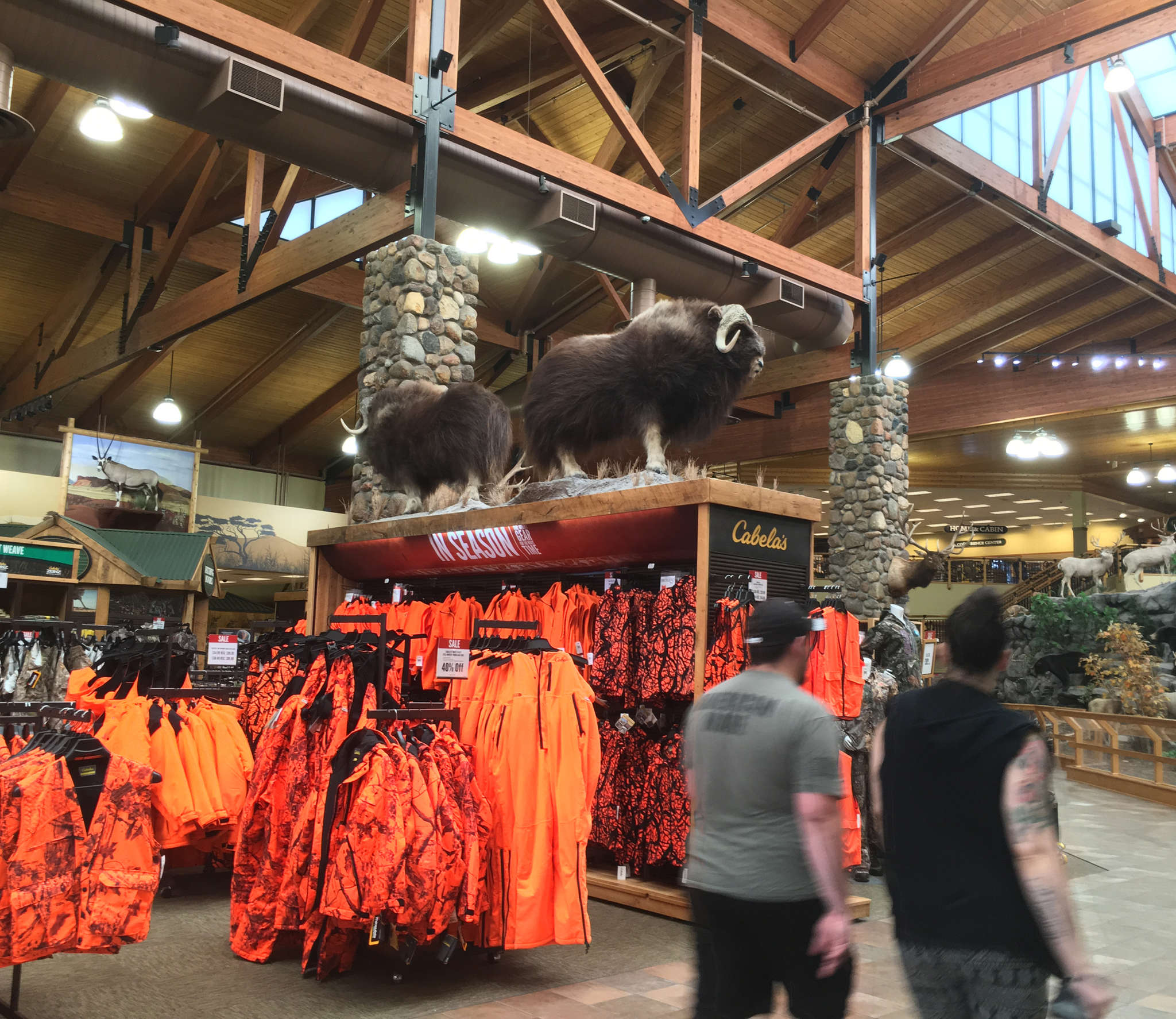 Cabela´s generated $4 billion in revenue last year, nearly half from hunting equipment.