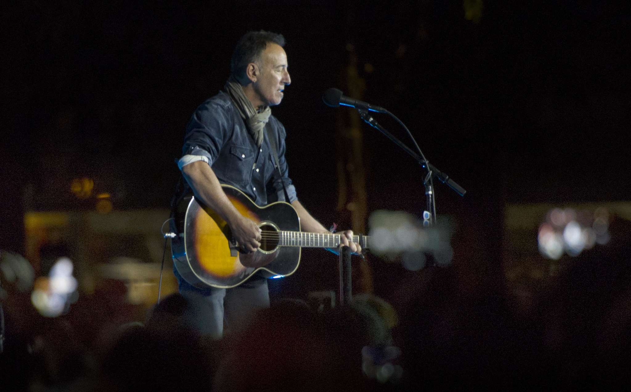 Bruce Springsteen sings before the Democratic nominee, Hillary Clinton, spoke at Independence Hall.