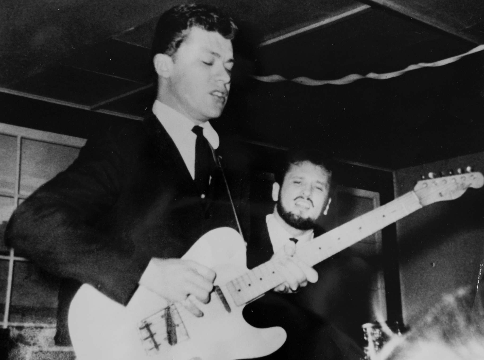 Robbie Robertson playing with Ronnie Hawkins´ band The Hawks.