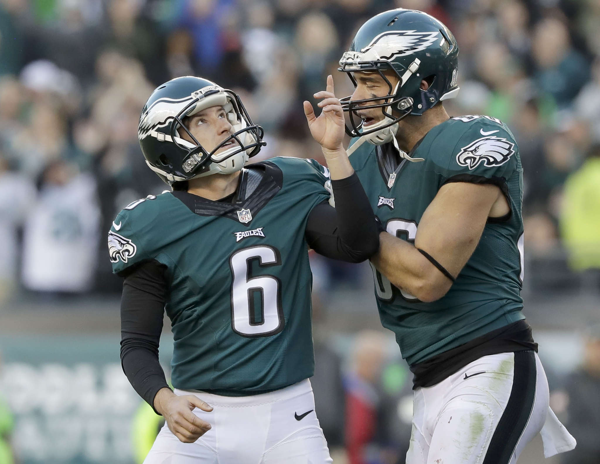 Caleb Sturgis celebrates his 48-yard field goal for game´s final points with Zach Ertz.