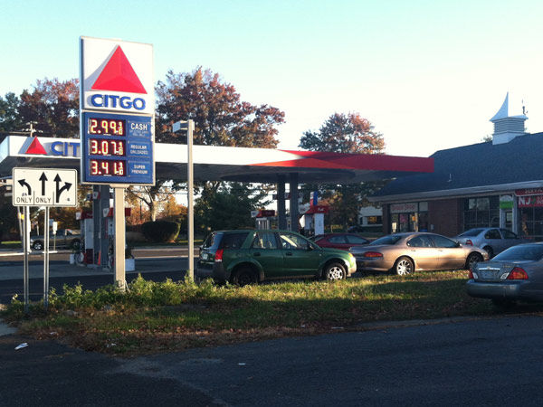 A sign of falling gas prices: $2.99 for a gallon of regular at a Citgo on Haddonfield Road in Cherry Hill on Nov. 4, 2013. (Peter Mucha / Staff)
