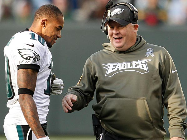Eagles head coach Chip Kelly jokes with wide receiver DeSean Jackson during a game on November 10, 2013. (Ron Cortes/Staff Photographer)