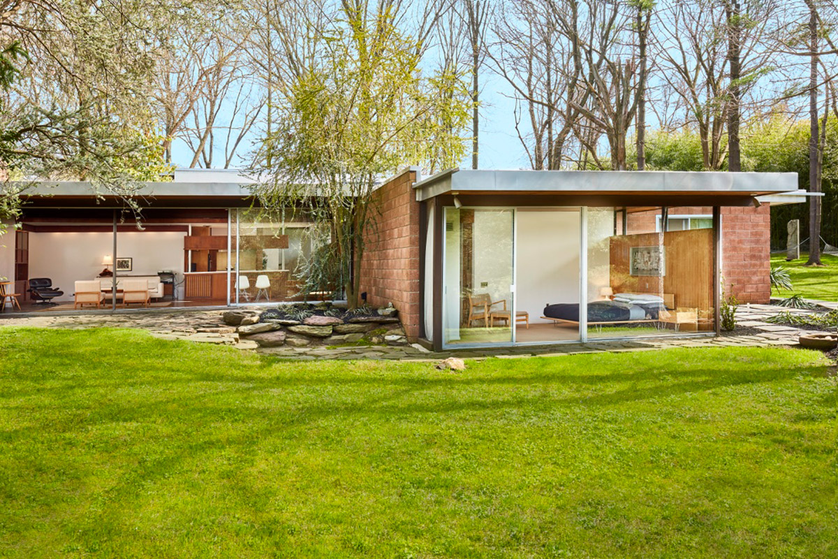 The five-bedroom residence, commissioned in 1958 by artist Kenneth Hassrick for his family, was designed by famed modernist architect Richard Neutra.