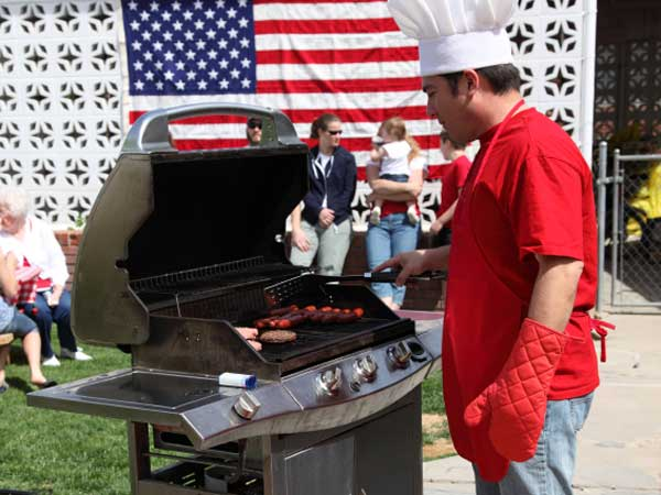Don´t let wire bristles ruin your 4th of July BBQ.