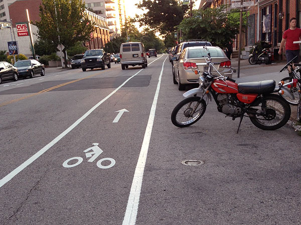 The new bike lane on Fairmount Avenue. (Jennifer Glaeser photo)
