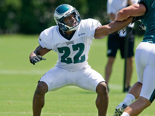 Eagles cornerback Brandon Boykin jams wide receiver Riley Cooper<br />during a drill at training camp July 29, 2013 at the NovaCare Complex.<br />(CLEM MURRAY / Staff Photographer)
