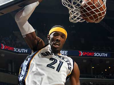 Memphis Grizzlies forward Hakim Warrick dunks during the first half of an NBA basketball game against the Toronto Raptors Saturday, Feb. 7, 2009, in Memphis, Tenn. (AP Photo/Nikki Boertman)