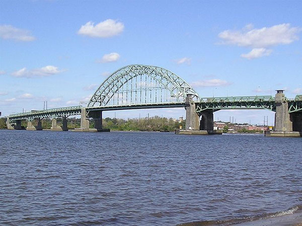 The Tacony-Palmyra bridge, opened in 1929, as seen from the New Jersey shoreline. (Wikimedia Commons)
