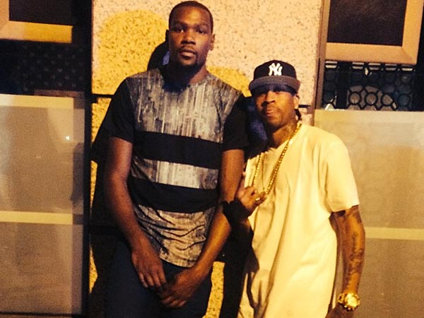 Kevin Durant (left) and Allen Iverson (Image from Kevin Durant´s Instagram account).