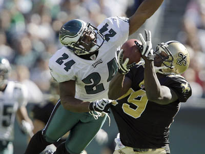 The Eagles´ defense had a rough time dealing with Drew Brees and the Saints´ offense. (David Maialetti / Staff Photographer)