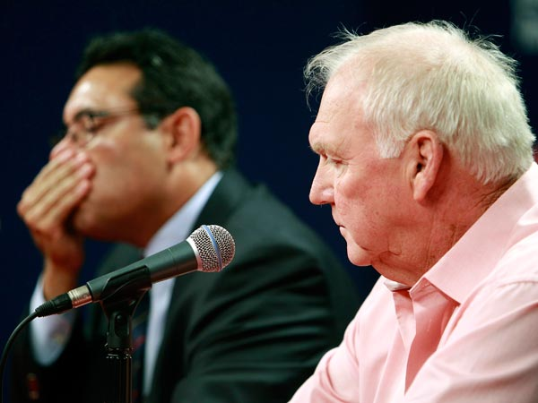 Former Phillies manager Charlie Manuel, right, and general manager Ruben Amaro Jr.  (Akira Suwa/Staff Photographer)