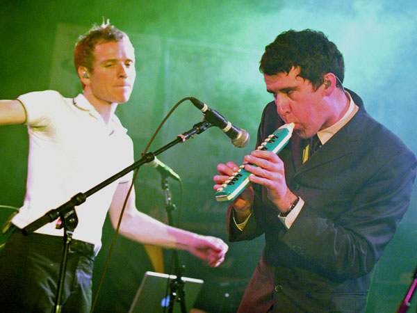 Scotland´s Belle and Sebastian´s Stevie Jackson, right, and Stuart Murdoch, perform a set during the South by Southwest Music Festival in Austin, Texas, in 2006. (AP Photo/Jack Plunkett)