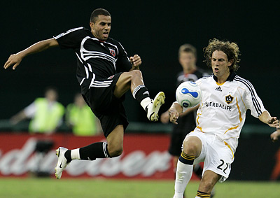 Fred in action for D.C. United against Los Angeles during the 2007 season which was his most successful year in Washington. (Haraz N. Ghanbari/AP file photo)