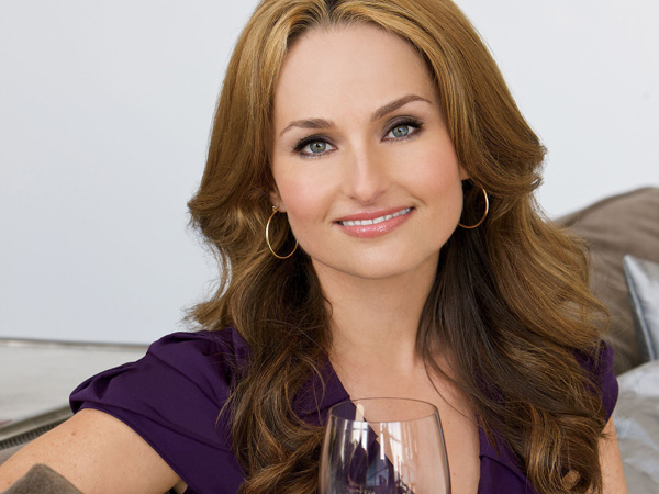 Bella Sera Wines Partner with Celebrity Chef Giada De Laurentiis to Inspire Beautiful Evenings.  (PRNewsFoto/Bella Sera Wines, Brad Mollath)