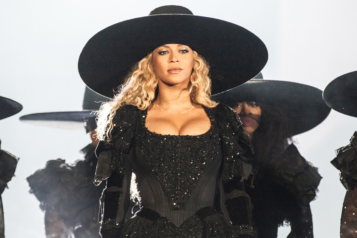 Calendar Lottery June : Review beyonce s impassioned formation tour dazzles at