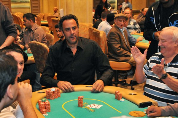 """Everybody Loves Raymond"" actor Brad Garrett turns heads while playing poker at the hotel Friday before his comedy show."