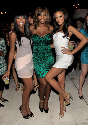 Brandy, Serena Williams and Selita Ebanks at Williams´ ESPY Party Monday.