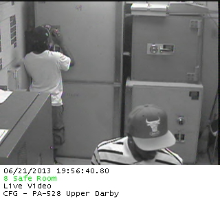 Probably not the safest bet to allegedly rob a safe while you´re on live video feed.