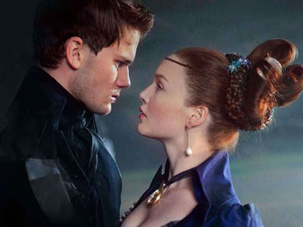 Pip (Jeremy Irvine), an orphan, pursues Estella (Holliday Grainger), a spoiled heiress, in director Mike Newell´s adaptation of the Dickens classic. (handout photo)