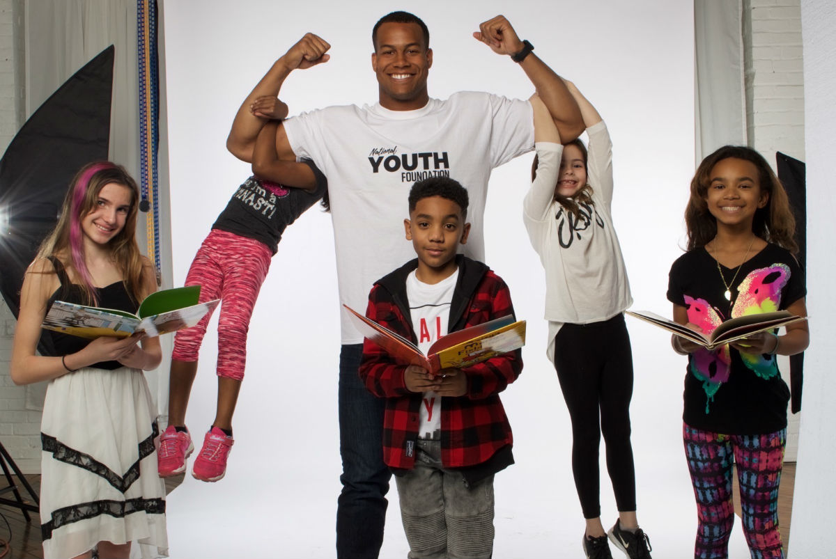 Jordan Hicks of the Philadelphia Eagles is a celebrity judge for the National Youth Foundation´s Student Books Scholars competition.