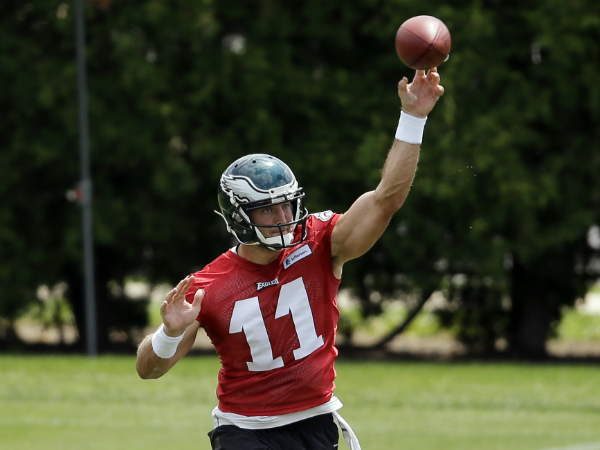 Tim Tebow throws the football during an Eagles workout. (Associated Press)