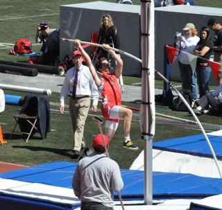 Michael Rivard takes 9th place in Penn Relays 2010 pole vault with a height of 14.325.
