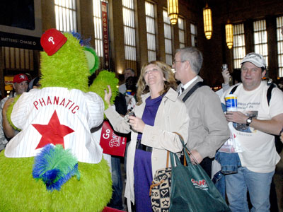 Fans greeted the Phillies Monday as they prepared to depart 30th Street Station for New York. ( April Saul / Staff Photographer ) <br />