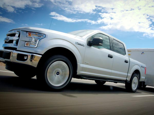 The 2015 Ford F-150 towed a loaded trailer in over 100-degree heat up a 13 percent grade to the Davis Dam in Arizona.