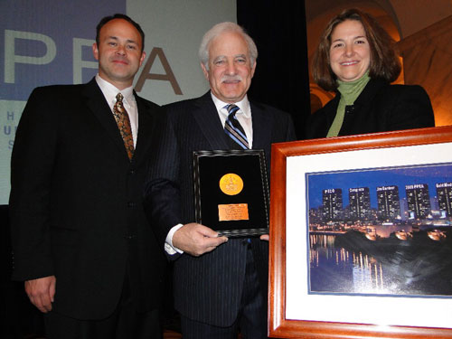 PPRA President Bill Cowen, 6ABC&acute;s Jim Gardner and PECO&acute;s Cathy Engel.<br />Photo: Bonnie Squires