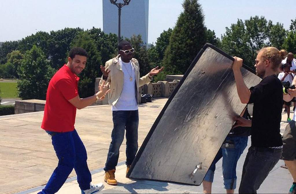 Drake (left) and Meek Mill during a video shoot Sunday at the Art Museum.<br /><br />HipHopSince1987.com